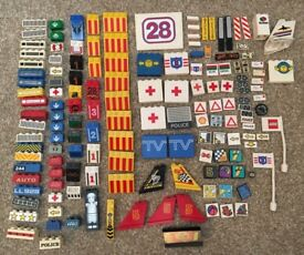 Lego over 150 signs/picture blocks