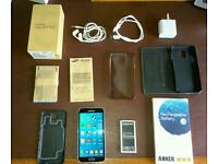 Samsung S5 boxed with extras