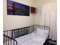 1 large room to rent on whipperly way luton.