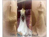 Job lot of ex display wedding dresses / dress / gown wholesale bulk cheap
