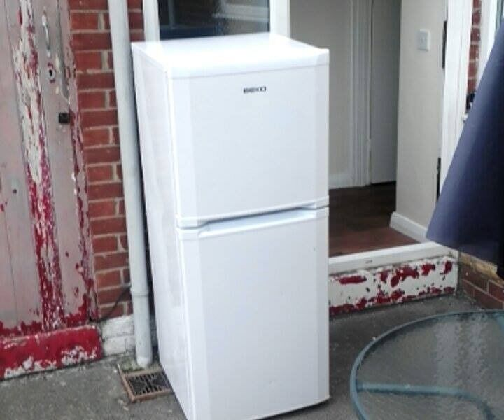Becko Fridge Freezer white