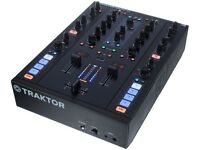 traktor z2 excellent condition boxed. papers. leads. timecode cds n vinyl. software 2 years warranty
