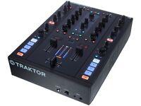 Native Instruments Traktor Z2 Mixer with Traktor Scratch Pro and Timecode vinyl