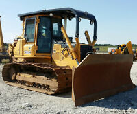 2003 John Deere 750C dozer with winch for hire