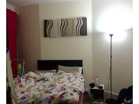 Large bedroom offered in N10 muswell hill