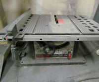 Skilsaw 10 inch 13a table saw / banc de scie