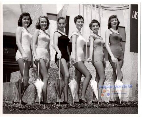 Vintage ORIG 8x10 Photo FORTUNE CLUB CASINO Las Vegas GROUP SWIMSUIT SHOWGIRL 2