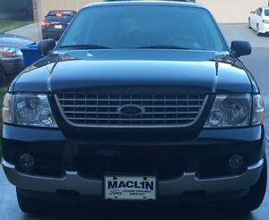 Ford Explorer 2004 (In really good condition)