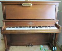 Piano droit Heintzman