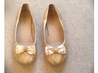 Monsoon shoes size 3