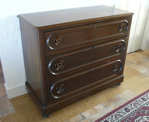 Mid-Victorian Chest of Drawers