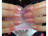 Acrylic & gel polish mobile nail technician Le Rêve Nails