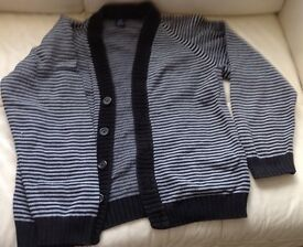 Gap kids cardigan Age: 10 to 11 or small mans