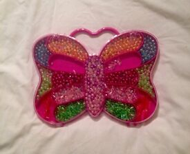 TESCO BUTTERFLY BEAD BRACELET MAKING KIT. COMPLETE AND GOOD CONDITION.