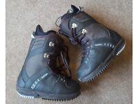 Snowboard boots - Burton Freestyle size UK4