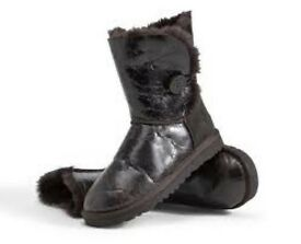 Brown crinkle REAL UGGS