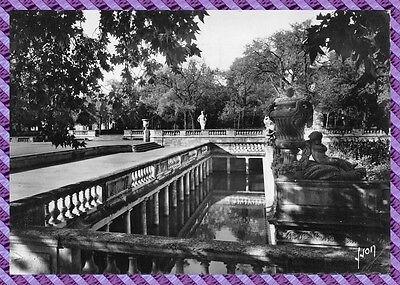 Carte Postale - NIMES - Jardins de la Fontaine