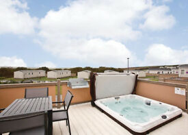 3 Bedroom Lodge / Caravan WITH HOT TUB!! BANK HOLIDAY!!!!!!