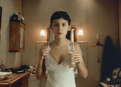 Amelie 2001 Audrey Tautou in her bathroom 5x7 inch photograph