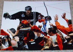 TEEMU-SELANNE-SIGNED-ANAHEIM-MIGHTY-DUCKS-8x10-PHOTO-D-w-PROOF