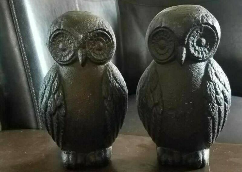 Set Of 2 Vintage Cast Iron Owl Bookends Or Doorstops Bradly & Hubbard.