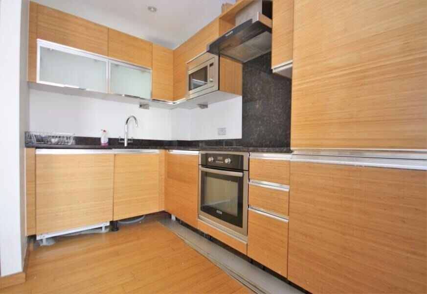 TOP FLOOR 1 BEDROOM APARTMENT IN HELION COURT-FURNISHED-AVAILABLE 24th JUNE CALL TODAY E14