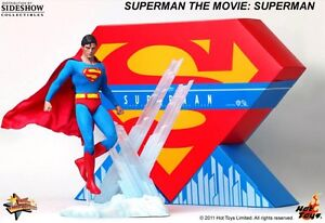 Hot Toys Superman Reeves like new West Island Greater Montréal image 2