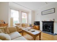 3 bedroom flat in Sternhold Avenue, Streatham Hill, SW2