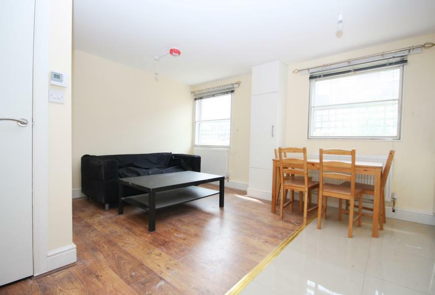 STUDENTS CLICK HERE 4 BEDROOM TO RENT IN ISLE OF DOGS E14 AVAILABLE NOW OFFERED FURNISHED DOCKLANDS