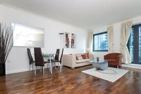 1 bedroom flat in Discovery Dock East, Canary Wharf, E14