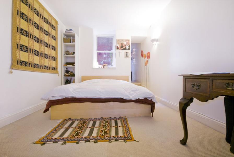 Huge 3 bedroom house near station, amazing finishing, only £550pw!