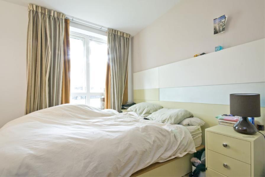 1 bedroom flat in blueprint apartments sw12 in clapham london 1 bedroom flat in blueprint apartments sw12 malvernweather Gallery