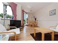 2 bedroom flat in Island Row, Limehouse, E14