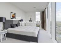 3 bedroom flat in Skyline Tower, Woodberry Down, N4