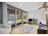 1 bedroom flat in Landmark East Tower, Canary Wharf, E14