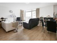 1 bedroom flat in Gainsborough House, Canary Wharf, E14