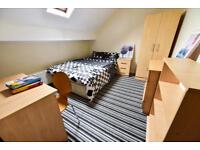 4 bedrooms in Thornville Crescent,Hyde Park, Leeds LS6 1JH