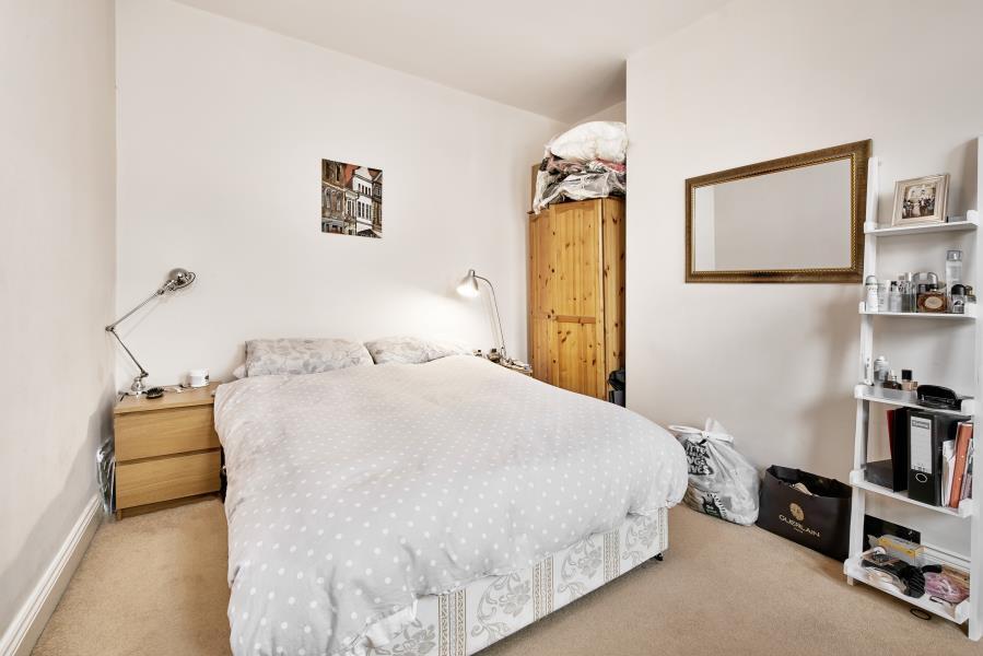 1 bedroom flat in Cavendish Road, Balham, SW12