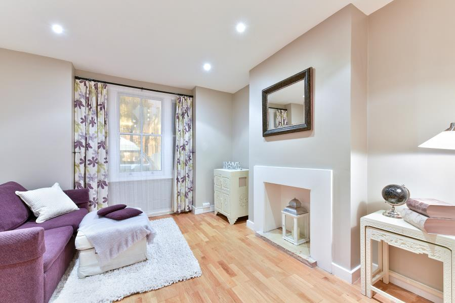 1 bedroom flat in Thorparch Road, Vauxhall, SW8