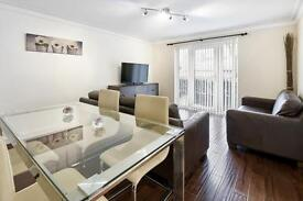2 bedroom flat in Ringwood Gardens, Canary Wharf, E14