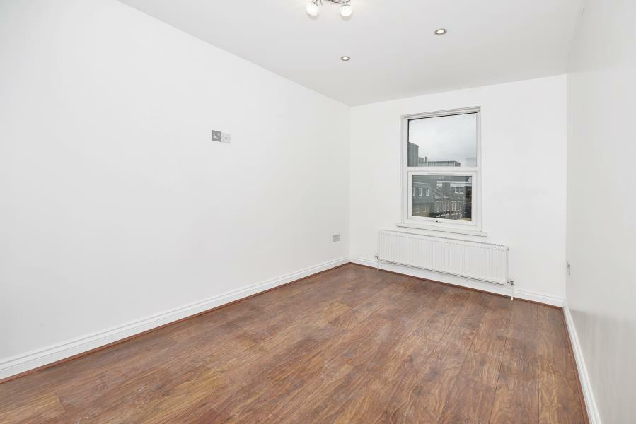 1 bedroom flat in Bethnal Green Road, Central London, E2