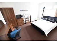 4 bedrooms in Mayville Avenue, Hyde Park, Leeds LS6 1NQ
