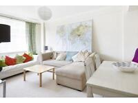 2 bedroom flat in Du Cane Court, London, SW17