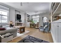 3 bedroom flat in Durnsford Road, London, SW19