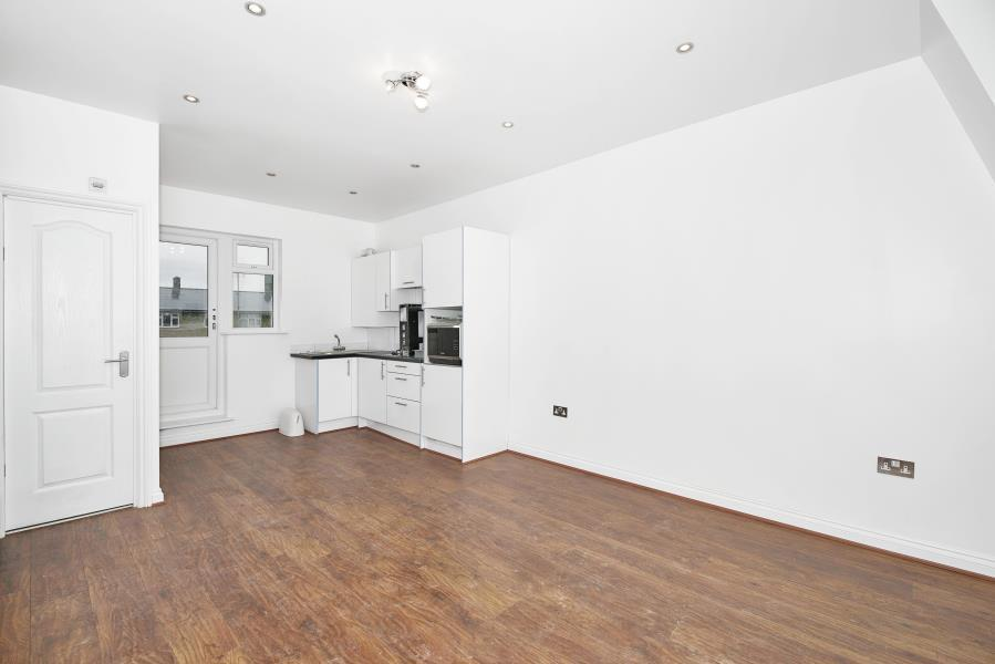 Studio flat in Bethnal Green Road, Shoreditch, E2