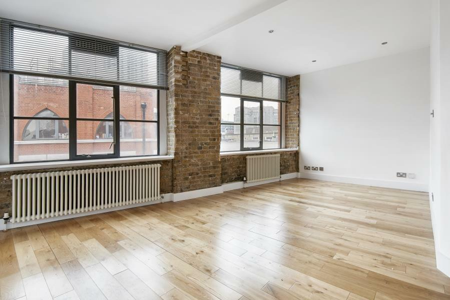 1 bedroom flat in Saxon House, London, E1