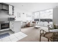 1 bedroom flat in Capital East, Royal Docks, E16