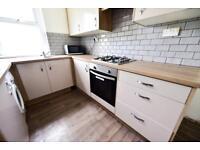 5 bedrooms in Chestnut Avenue, Hyde Park, Leeds LS6 1AZ