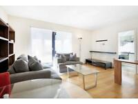 2 bedroom flat in Bridge House Quay, Canary Wharf, E14