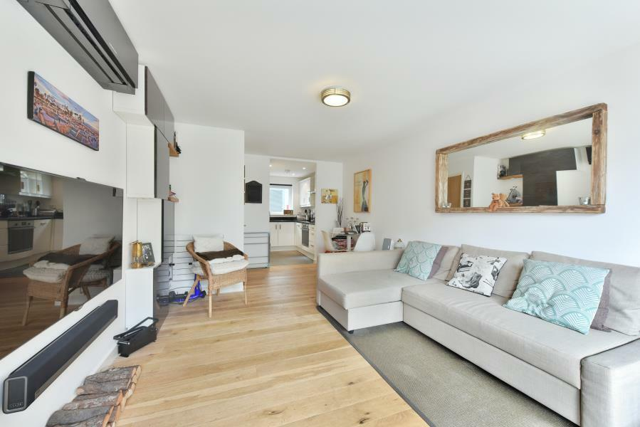 1 bedroom flat in Wharncliffe Mews, Clapham, SW4